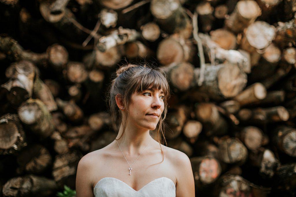 Portrait de Maïté Bailleul, créatrice de robes de mariée sur-mesure à Lille
